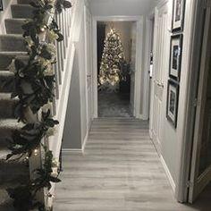 Creative Ideas For Hallway Decorating - Interior Decor and Designing Christmas Hallway, Christmas Decor, Back Garden Landscaping, Hallway Lamp, Narrow Hallway Decorating, Traditional Artwork, House Stairs, House Entrance, House Goals