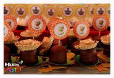 A vovó fez questão de fazer vários doces típicos da roça, para a Fazendinha do Paulo César. Foi uma delícia este trabalho em conjunto...