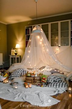 5 Likes - Discover the picture from cozy_and_cuddly on COUC Romantic Room Surprise, Romantic Date Night Ideas, Sleepover Fort, Fun Sleepover Ideas, Room Ideas Bedroom, Diy Room Decor, Bedroom Decor, Home Decor, Romantic Picnics