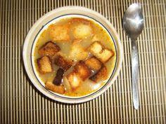 Supa de chimen cu crutoane (de post) - imagine 1 mare Food L, Romanian Food, Cheeseburger Chowder, Chicken Wings, Clean Eating, Meals, Vegan, Cooking, Recipes