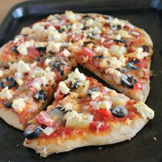 Basic Vegan Pizza and a Vegan Cheese Chat