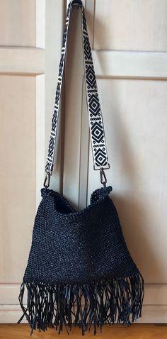 by MicheMiche #crochet,#bag,#rafia,#fringe,#borse,#handmade,#fattoamano,#tracolla, Product Description, Crochet, Fashion, Make A Purse, Tricot, Moda, Fashion Styles, Ganchillo, Crocheting