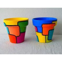 Risultati immagini per macetas pintadas Painted Plant Pots, Painted Flower Pots, Flower Pot Crafts, Clay Pot Crafts, Art Du Monde, Decorated Flower Pots, Flower Pot Design, Diy Crafts For Adults, Cement Pots
