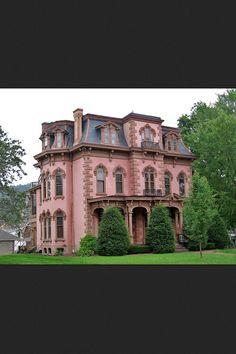 Super cute Victorian home