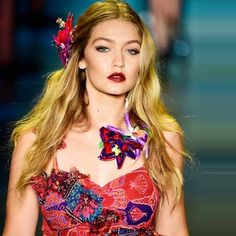Hair accessories for summer 2016  Acconciature estate 2016: il trend sono gli accessori