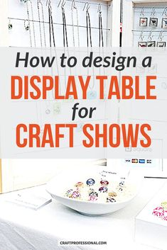 Booth design ideas for craft shows - 12 photos show you how to design a tabletop display to sell your handmade items at craft fairs. #displaybooth #craftfairs #craftprofessional Portable Display, Portable Table, Table Top Display, Display Ideas, Craft Show Booths, Vendor Displays, Craft Markets, Booth Design, Craft Fairs