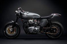 Kawasaki W650 Cafe Racer by Deus #motorcycles #caferacer #motos | caferacerpasion.com