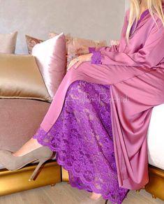 105k Followers, 5,131 Following, 2,898 Posts - See Instagram photos and videos from caftan marocaine (@caftan_maro) Morrocan Dress, Moroccan Caftan, Modest Fashion, Hijab Fashion, Fashion Dresses, Mode Abaya, Kaftan Style, Modern Hijab, Modest Wear