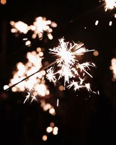 Diwali Photography, Moon Photography, Sparkler Photography, Diwali Pictures, Diwali Images, Beach Wallpaper, Pink Wallpaper Iphone, Printable Images, Wedding Exits