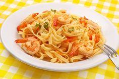 pasta con salsa de camarones