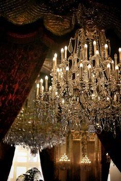 Les appartements privés de Napoléon 3 Les Artisans du Lustre sont à votre disposition pour la création sur mesure de tout lustre ou luminaire www.i-lustres.com #lustre #cristal #chandelier
