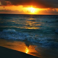 #Sunrise #sandosplayacar #RivieraMaya #PlayadelCarmen #Mexico
