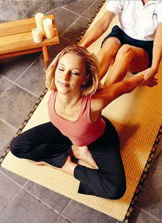 Book a Body to massage and spa at lowest rates 9871417023 Thai Yoga Massage, Massage Tips, Good Massage, Facial Massage, Spa Massage, Massage Therapy, Massage Logo, Reflexology Massage, Neck Massage