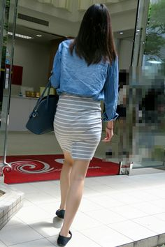 Asian Woman, Asian Girl, Short Skirts, Mini Skirts, One Piece Dress, Sexy Legs, Sexy Dresses, Tights, Vogue
