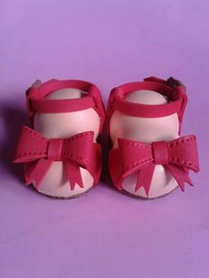 Zapatitos fofuchas Doll Shoe Patterns, Foams Shoes, Foam Crafts, Doll Shoes, Baby Shoes, Barbie, Ballet, Pasta, Clothes