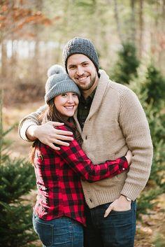 Charming-Christmas-Tree-Farm-Engagement-Session