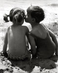 Young love: beach photography #Love #Baby #Babies #NewbornPhotography #Beach #Ocean #PhotoshootIdeas #BabyAtTheBeach #InfantPhotography