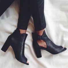 Love these black heels!