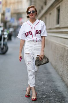 A baseball jersey can span across styles, incorporating into any fashion sense. For ways to style a baseball jersey, here are a few inspirational ensembles. Baseball Jersey Outfit, Baseball Game Outfits, Baseball Jerseys, Baseball Uniforms, Baseball Live, Sports Jerseys, Baseball Quotes, Baseball Pictures, Tigers Baseball