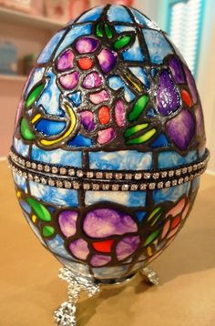 Como hacer un cofre con Arte Realeggza Egg Crafts, Easter Crafts, Arts And Crafts, Carved Eggs, 3d Craft, My Life Style, Faberge Eggs, Egg Art, Egg Decorating