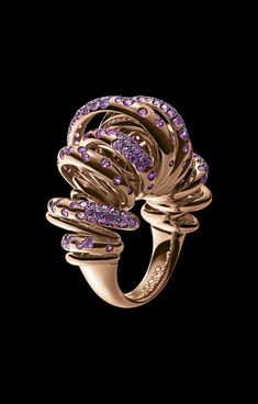 de Grisogono - precious golden sun rays, coiled into dynamic, bouncing shapes and forms, dazzling jewels with the light of gems, to warm every woman's heart.