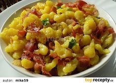 Nejjednodušší halušky/nočky recept - TopRecepty.cz Fruit Salad, Macaroni And Cheese, Ethnic Recipes, Pizza, Food, Turmeric, Fruit Salads, Mac And Cheese, Essen