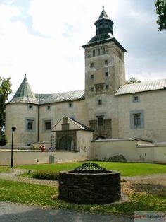Bytča. .................Renaissance castle built in the years 1571-74 genus Thurzo the place of the old water castle.................Renesančný kaštieľ postavil v rokoch 1571-74 rod Thurzovcov na mieste staršieho vodného hradu.