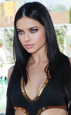 Adriana Lima Young, Adriana Lima Style, Adriana Lima Makeup, Most Beautiful Eyes, Beautiful People, Beauty Full Girl, Beauty Women, Adrina Lima, James Bond Style