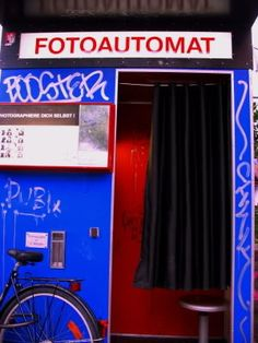 photo booth Photo Booth Design, Photo Booths, Broadway Shows, Neon Signs, Pictures, Vending Machines