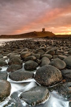A first image of 2019 . I dashed up to Northumberland & just managed to catch the last bit of colour from the setting sun above Dunstanburgh castle . Dunstanburgh Castle, One Image, Happy New Year, England, Sunset, Nature, Travel, Naturaleza, Viajes