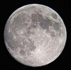 Waxing Gibbous Moon 21/7/2013