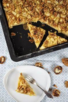 Apfel-Walnuss-Kuchen mit Zimtsirup