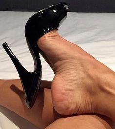 #footfetish #solesporn #solesfetish #solesiwouldworship