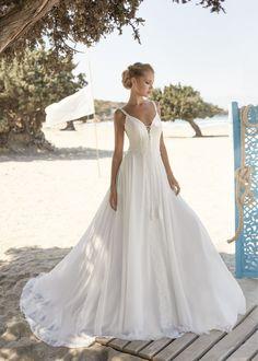 Rembo Styling, Lace Wedding Dress, Boho Wedding, Wedding Dresses, Boho Designs, Boho Inspiration, Romantic Lace, Chiffon Skirt, French Lace