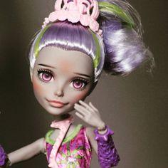 #ООАК #Продажа #sale #handmade #dollstagram #dollcollector #repaint #faceup Красотка на продажу для вас. Все вопросы в директ