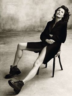Linda Evangelista (born May is a Canadian model. Evangelista is mostly known for being the - Celebrities - Check out: Hottest Photos of Linda Evangelista on Barnorama Model Poses Photography, Photography Women, Fitness Photography, Classy Photography, Photography Guide, Photography Flowers, Photography Lighting, Lifestyle Photography, Editorial Photography
