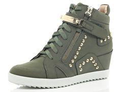High Top Sneakers, Wedge Heel Sneakers, Studded Sneakers, Sneakers Mode, Cute Sneakers, Sneaker Heels, Wedge Shoes, Shoes Sneakers, Hightop Shoes