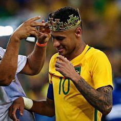 to the first golden medal Neymar Jr, Neymar Football, Ronaldo Soccer, Best Football Players, Soccer Players, Cristiano Ronaldo Portugal, Soccer Tips, Solo Soccer, Nike Soccer