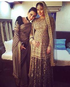 How CUTE! Sisters, #KarishmaKapoor & mommy to be #KareenaKapoor 💕👭 #SabyaSachi #LakmeFashionWeek