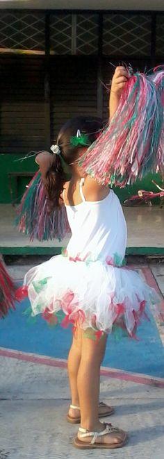 Trajecito, disfraz, vestuario, ropa para niña rapido, fácil y económico. Primera parte: leotardo http://blog.detallefemenino.com/2014/05/vestuario-facil-rapido-y-economico.html