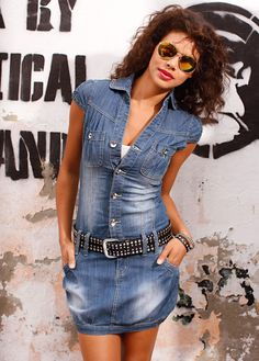 """Denim mini dress, looks very cool with this belt!  ✮✮""""Feel free to share on Pinterest"""" ♥ღ www.fashionandclothingblog.com"""