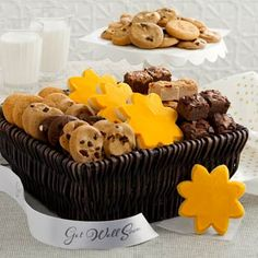 Send a get well gift or a sunny message of cheer. Available as a medley basket of 36 assorted Nibblers® bite-sized cookies, 18 brownie bites and four frosted sunshine cookies or a Combo Basket that comes with 72 brownie bites and 12 assorted original. Gourmet Gifts, Food Gifts, Gourmet Recipes, Cookie Gifts, Get Well Gift Baskets, Get Well Gifts, Bite Size Cookies, Mini Cookies, Basket Of Sunshine