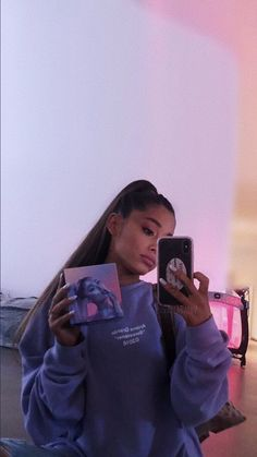 Ariana Grande is All About Women Supporting Women - ariana grande style hair outfit feminist icon queen quotes - Ariana Grande Style, Ariana Grande Fotos, Ariana Grande Wallpapers, Ariana Grande Drawings, Ariana Grande Outfits, Ariana Grande Pictures, Ariana Grande 2018, Ariana Grande Background, Feminist Icons