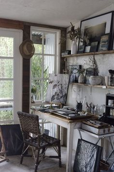 Trendy Ideas For Home Studio Office Creative Workspace Natural Light Art Studio Design, Art Studio At Home, Home Art, Artist Workspace, Art Studio Organization, Office Organization, Cool Office Space, Office Workspace, Workspace Inspiration