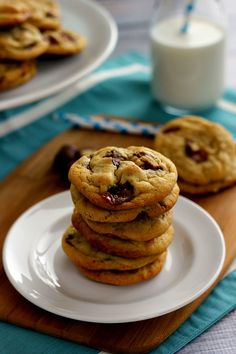 Chewy Twix Cookies | www.pumpkinnspice.com