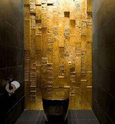 Все, что вам нужно, это какой-то золотой краской, чтобы создать волшебство в темноте ванной! - Decoist