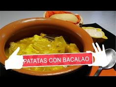 PATATAS CON BACALAO - YouTube Youtube, Onion, Recipes, Cape Cod, Cook, Hands