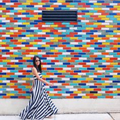 Find the best walls in Chicago with our Wall Crawl guide! Murals Street Art, Mural Art, Chicago Murals, Chicago Location, Painted Brick Walls, Chicago Pictures, Chicago Travel, Chicago Trip, Chicago City