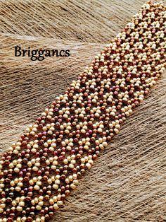 Minta: Melanie de Miguel Seed Bead Jewelry, Bead Jewellery, Beaded Jewelry Patterns, Beading Patterns, Beaded Bracelets, Beading Tutorials, Bead Crafts, Bead Art, Seed Beads