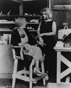 Bette with daughter B.D. on the set of Whatever Happened to Baby Jane. B.D. had a minor role in the film playing the next door neighbor's daughter.